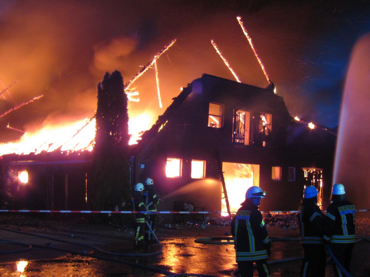 Für das betroffene Gebäude gab es keine Rettung.