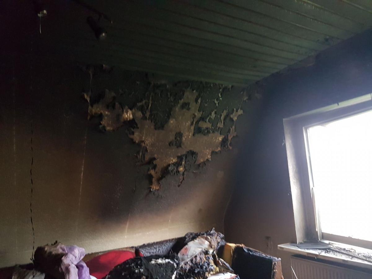 feuer in wohnhaus in helmste freiwillige feuerwehr der samtgemeinde fredenbeck. Black Bedroom Furniture Sets. Home Design Ideas